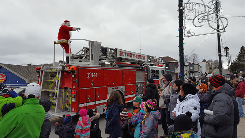 Brownsburg Christmas Parade 2021 Parade Guignolee December 9 In Brownsburg Chatham The Review Newspaper