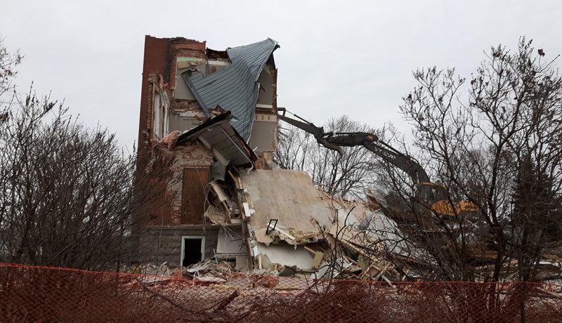 LS_Nov3017_Convent Demolition (11)