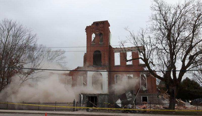LS_Nov3017_Convent Demolition (18)