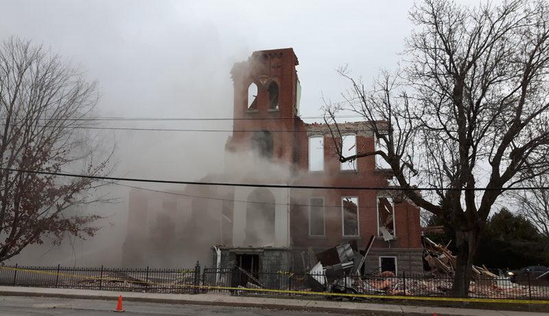 LS_Nov3017_Convent Demolition (23)