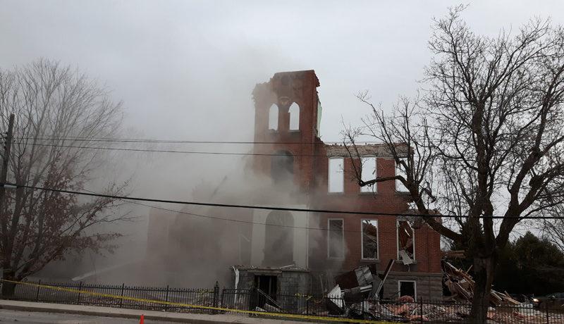 LS_Nov3017_Convent Demolition (24)