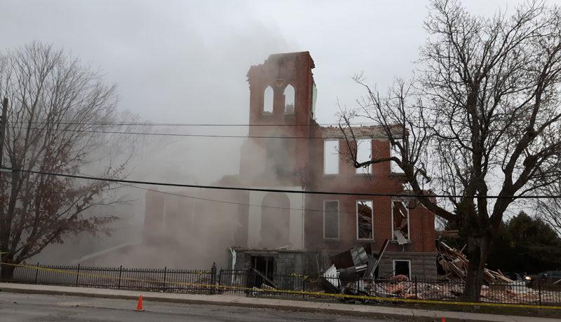 LS_Nov3017_Convent Demolition (26)