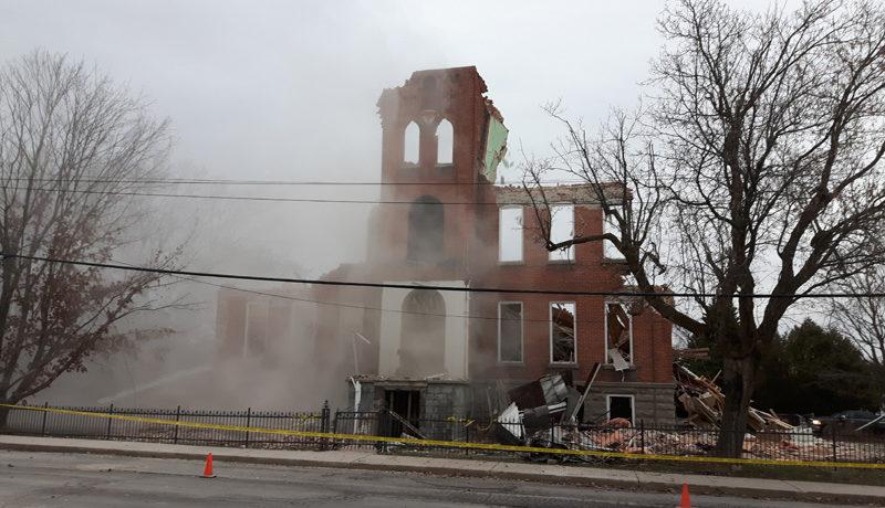 LS_Nov3017_Convent Demolition (27)