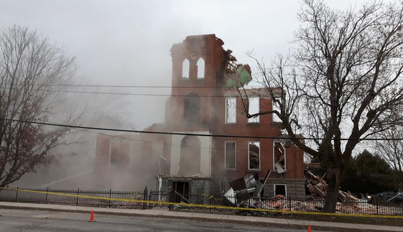 LS_Nov3017_Convent Demolition (28)