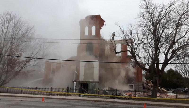 LS_Nov3017_Convent Demolition (29)