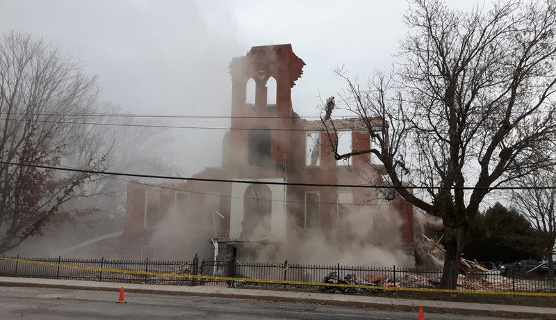 LS_Nov3017_Convent Demolition (30)