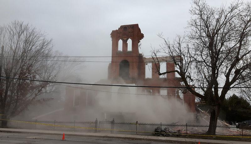 LS_Nov3017_Convent Demolition (31)