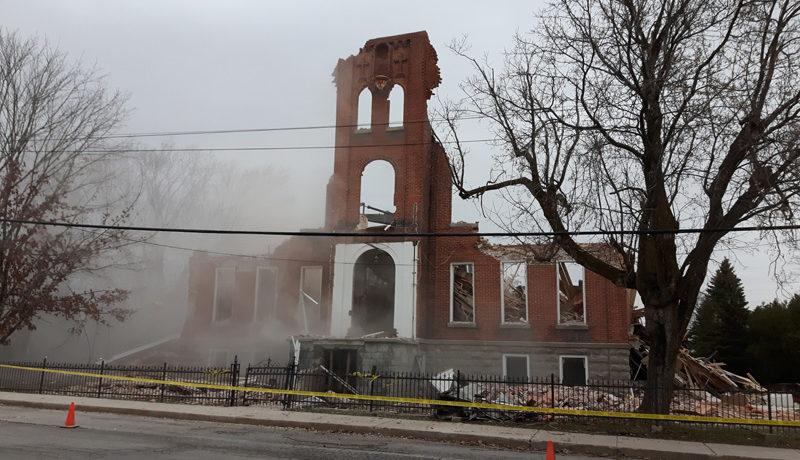 LS_Nov3017_Convent Demolition (49)