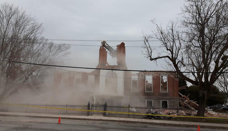 LS_Nov3017_Convent Demolition (84)
