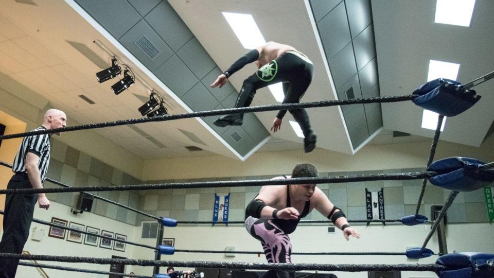 cb_2018feb02_wrestling_carnageatthecarnival_03_web