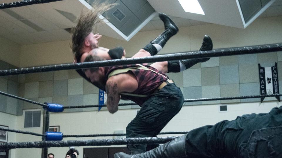 cb_2018feb02_wrestling_carnageatthecarnival_13_web