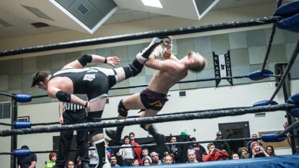 cb_2018feb02_wrestling_carnageatthecarnival_17_web