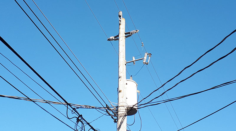 In Lachute a broken pole is the cause of a power outage