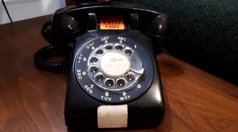 """Scam alert!  Telephone """"spoofing"""" tries to steal your personal information and money"""