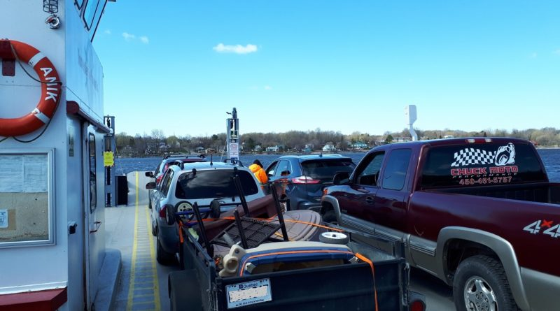 Pointe-Fortune ferry traffic increases due to boundary checkpoints