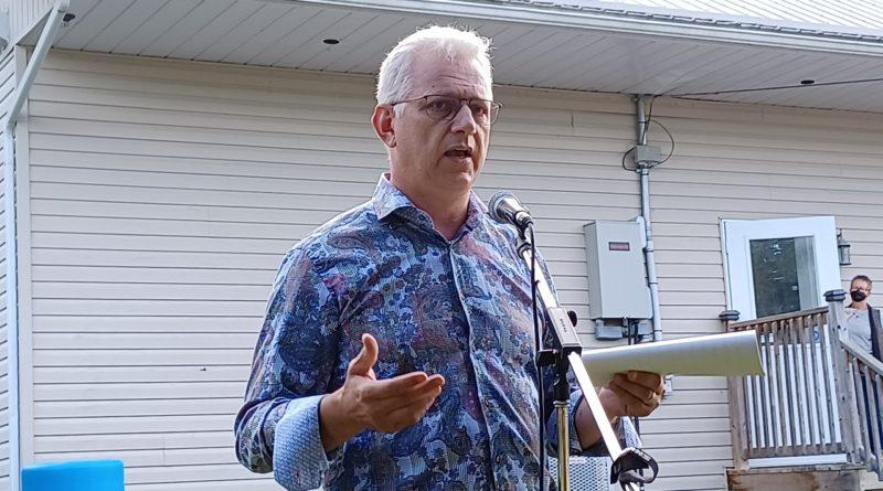 Lauzon re-elected in Argenteuil-La Petite Nation, Duncan returned in Stormont-Dundas-South Glengarry